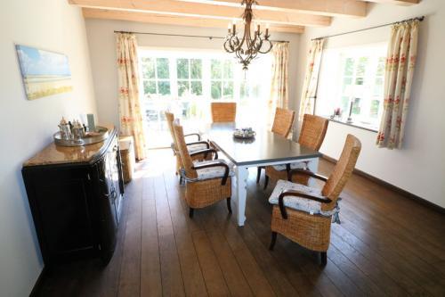 Ferienhaus Lissy-Mary auf Sylt - Esszimmer